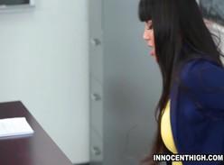 Professora rabuda dando a buceta pro aluno