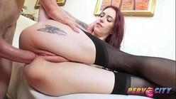 Doido porno anal com branquinha sexy tatuada fodendo muito