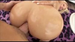 Anal xxx pornô com loira dando seu rabão de quatro