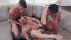 Video gay amador com safados fazendo suruba excitante