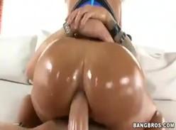 Samba porno x morena rabuda e peituda fudendo