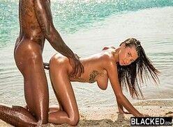 Casais liberais peituda dando a buceta na praia pro namorado